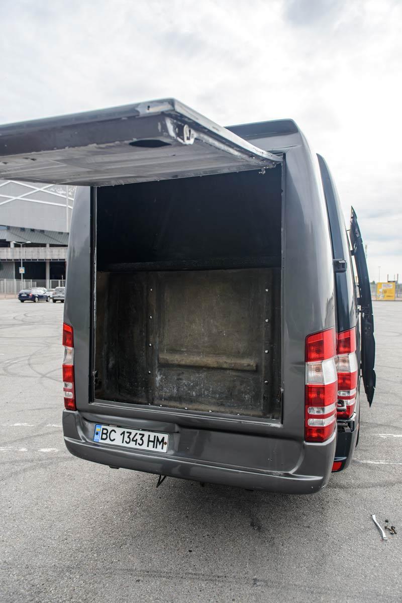 Місце для багажу Mercedes Sprinter 516.