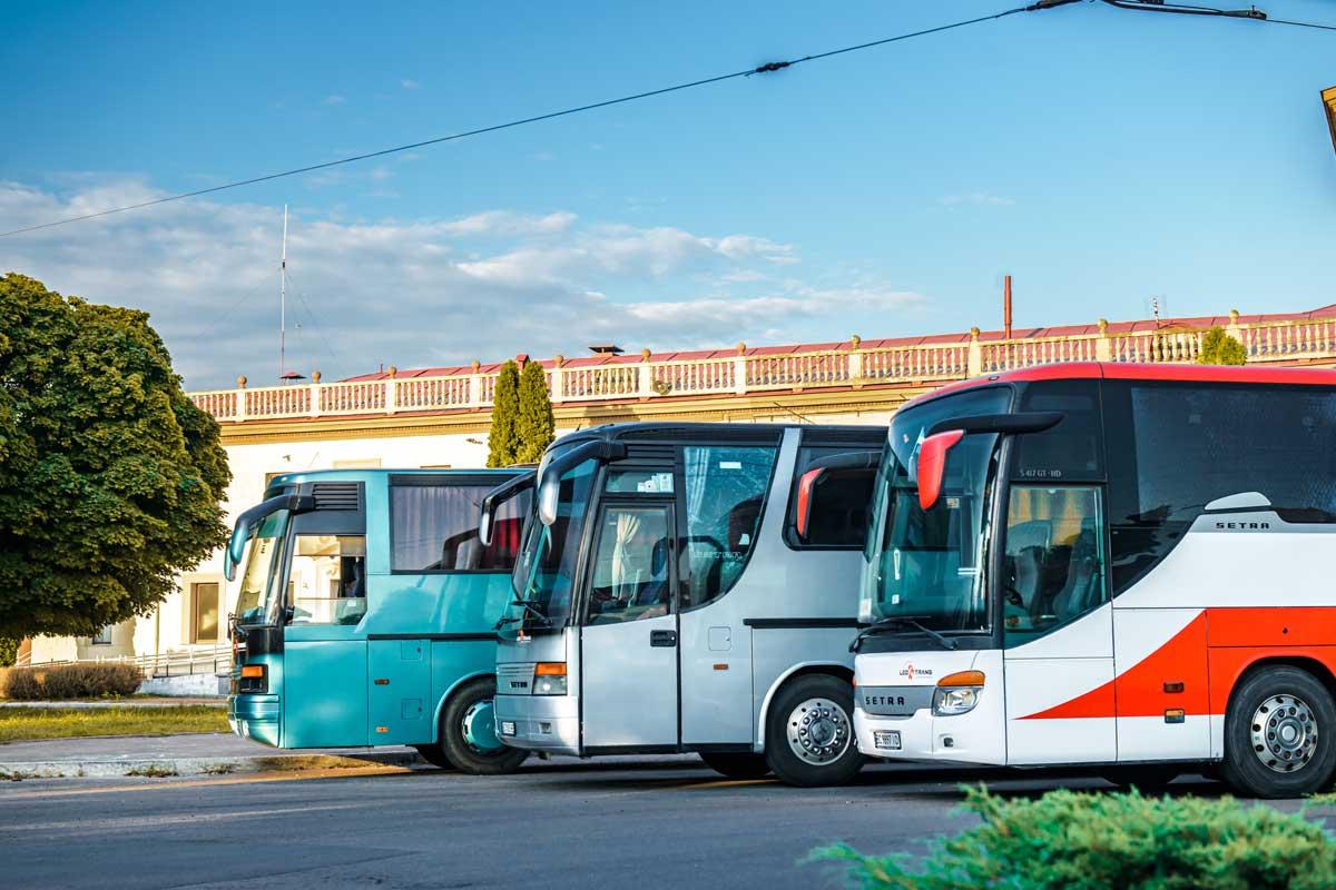 Умови оренди автобусів в Leo-Trans.